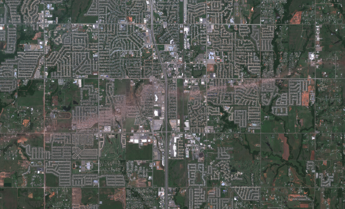 moore_tornado_satellite_google